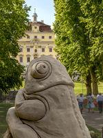 Sandkunst im Blühenden Barock, Ludwigsburg, Thema Tiere, Frosch