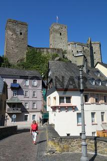 Burg Runkel an der Lahn, gesehen von der Lahnbrücke