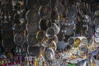 Orientalische Tabletts und Souvenirs