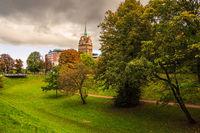 Blick auf das Kröpeliner Tor in der Hansestadt Rostock im Herbst