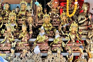 Buddhas für jede Glaubensrichtung Markt in Lhasa