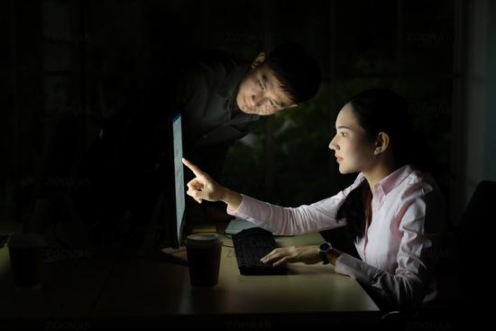Teamwork working Late at night.