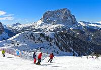 Skifahrer am Grödner Joch