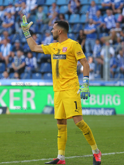 deutscher Fussball-Torwart Kai Eisele Hallescher FC DFB 3.Liga Saison 2020-21