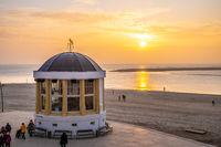Goldener Sonnenuntergang am Nordstrand von Borkum