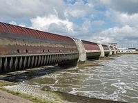 Eidersperrwerk in Schleswig-Holstein an der Mündung der Eider in die Nordsee, Deutschland, Europa