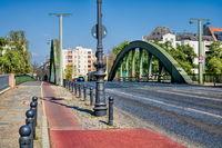 berlin, deutschland - 09.04.2019 - schloßbrücke mit brückenbogen in berlin charlottenburg