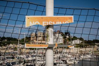 Sign: No Fishing