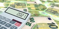 Calculator Date 2021 100 Euro Banknotes