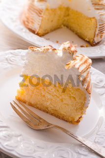 Cheesecake with Swiss meringue