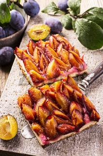 zwetschgendatschi - plum pie