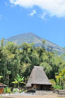 Leben unter dem Vulkan Inerie Flores
