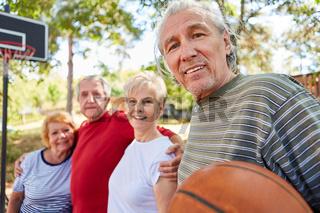 Rentner Mannschaft beim Basketball Training