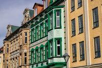 bernau bei berlin, deutschland - 30.04.2019 - historische häuserzeile