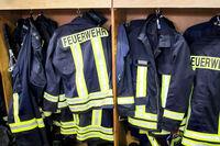 Feuerwehranzüge griffbereit