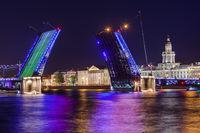 Neva river and open Palace (Dvortsovy) Bridge - Saint-Petersburg Russia