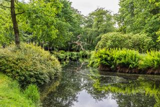 Teich im Schlosspark Lütetsburg, Ostfriesland, Niedersachsen, Deutschland