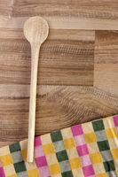 Kochlöffel auf Holz