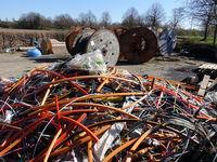 Rollen mit Glasfaserkabel für schnelles Internet im Rahmen des Strukturprogramms NRW 4.0