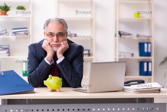 Old businessman employee in bankruptcy concept