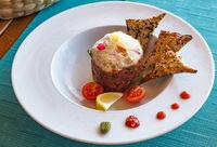 A plate of delicious tuna tartare