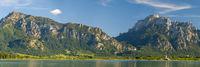 Panorama Landschaft im Allgäu mit Forggensee und Säuling bei Füssen