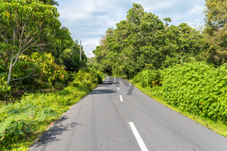 Landstrasse auf der Insel Samosir auf Sumatra