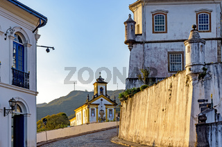Arrival in the historic center of Ouro Preto with colonial style buildings