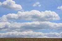 Wolkenmeer ueber der Landschaft