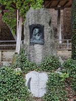 Gedenkstein Heinrich Mentzel im Kurpark von Schönebeck / Bad Salzelmen