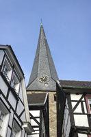 Steinhagen und Kirche Sankt Georg in Hattingen, NRW, Deutschland