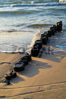 Wellenbrecher an der polnischen Ostseeküste