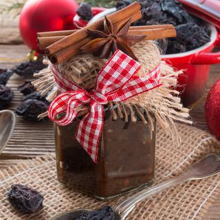 Powidl a plum jam