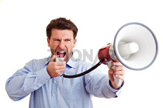 Wütender Mann mit Megafon