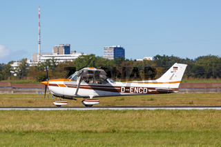 Reims-Cessna F172N Skyhawk II Flugzeug Flughafen Stuttgart