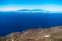 Blick von La Gomera rüber auf die Insel La Palma, Kanarische Inseln