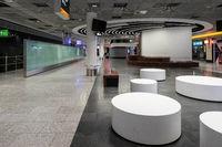 Ankunftshalle Flughafen Frankfurt menschenleer
