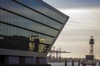 Dockland - Moderne Architektur und Hafen in Hambur