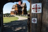 Pilgerzeichen an der Stabkirche in Ringebu, Norwegen