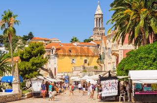 Tourists and vendors - Hvar