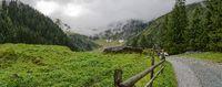 Weg ins Felbertal zum Hintersee in der Kernzone des Nationalparks