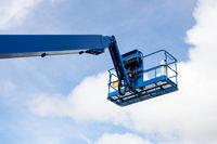 pallet truck crane