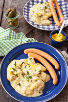 Kartoffelsalat mit Wuerstchen