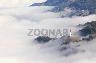 Kirche St. Peter im Nebel, Tirol