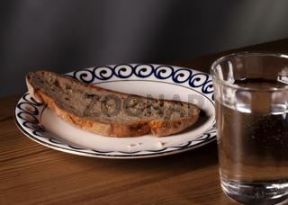 Wasser und Brot