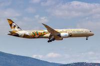 Etihad Airways Boeing 787-9 Dreamliner Flugzeug Flughafen Athen in Griechenland Adnoc Italia Sonderbemalung