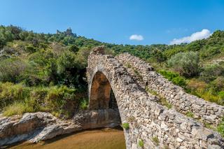 Bogenbrücke Le Pont des Fees in Grimaud-Villlage