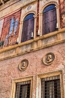 detail von einem alten palazzo in vicenza, italien