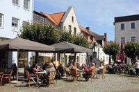 Straßencafé auf dem Gänsemarkt in Eckernförde
