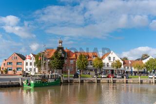 Stadtbild beim Hafen in Tönning